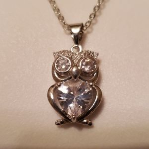 Owl pendant and necklace NWT gift box